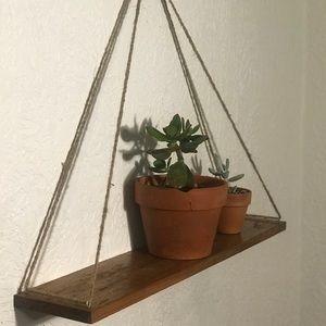 Hanging shelve